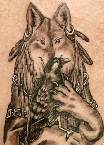 7wolf-holding-crow-in-paws-tattoo-356
